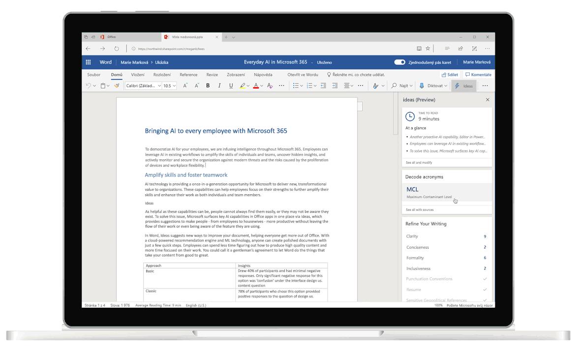 Snímek obrazovky s funkcí Návrhy ve Wordu, editorem využívajícím umělou inteligenci, který zobrazuje návrhy týkající se gramatiky a stylu psaní