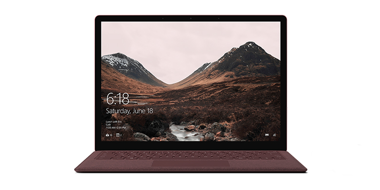 Surface Laptop i bordeauxrød set forfra