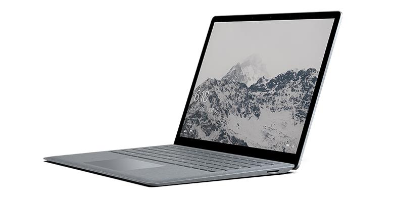 Surface Laptop i platin set fra venstre