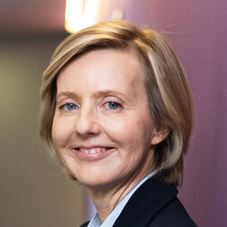 Dr. Marianne Janik