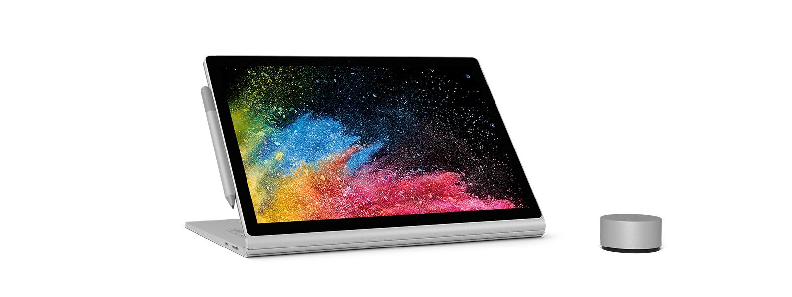 Surface Book 2, Ansicht von vorne und Ansicht mit umgedrehtem Bildschirm.