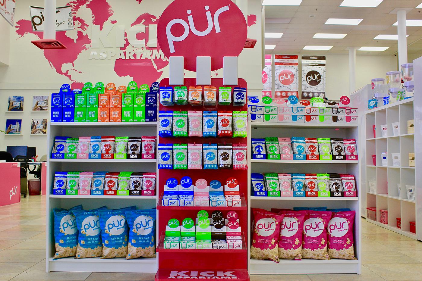 Εικόνα προϊόντων τοποθετημένων σε σταντ της PUR.
