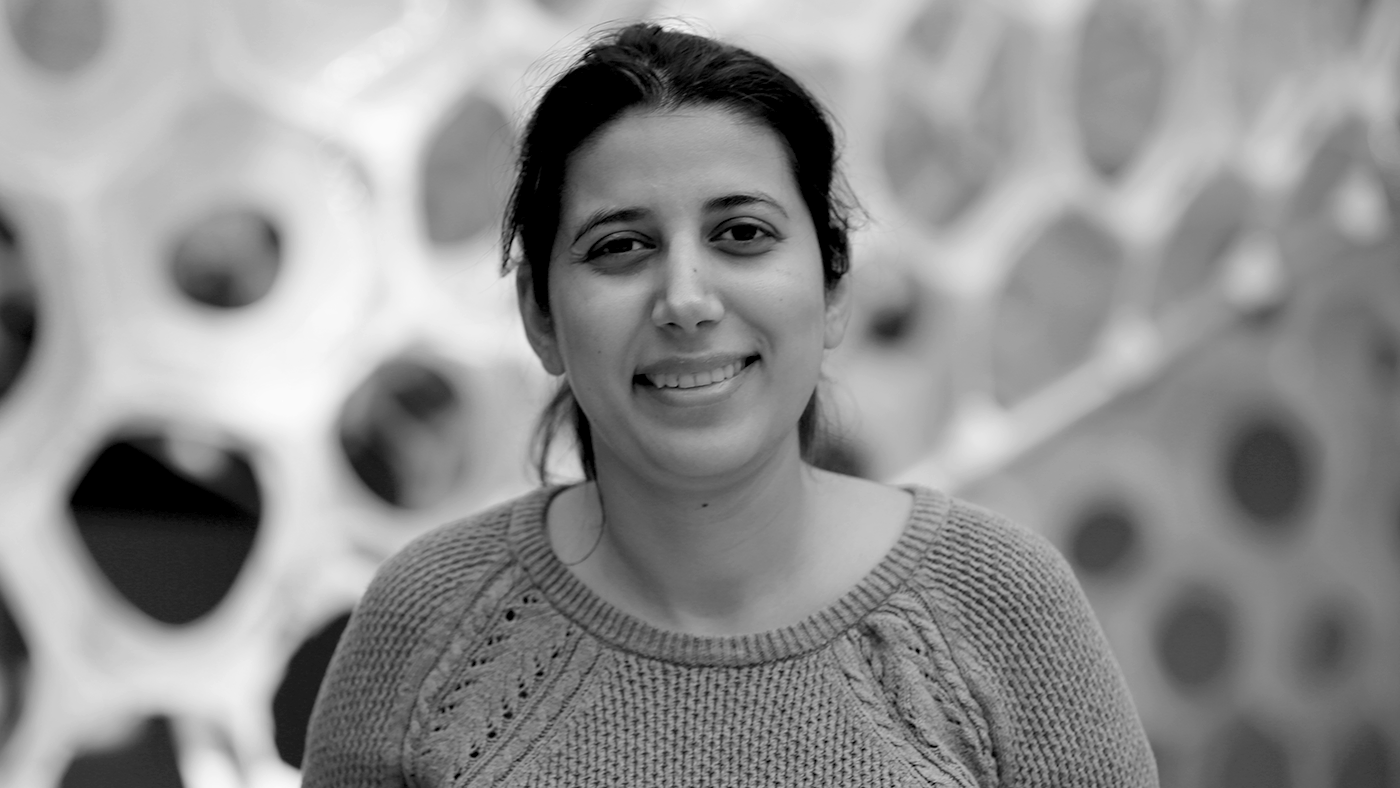 Headshot of Behnaz Arzani for the Microsoft Research Podcast
