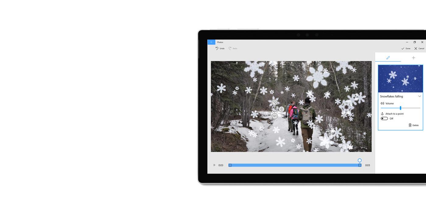 Tableta que muestra la aplicación Fotos y un generador 3D.