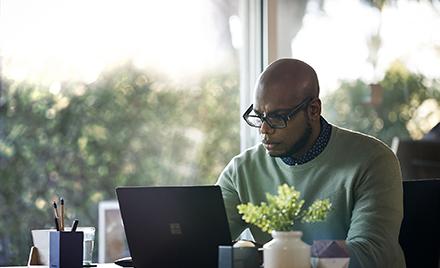 Image for: Microsoft, Nasdaq y Refinitiv proporcionan a los inversores cotidianos datos en tiempo real y conclusiones en Excel