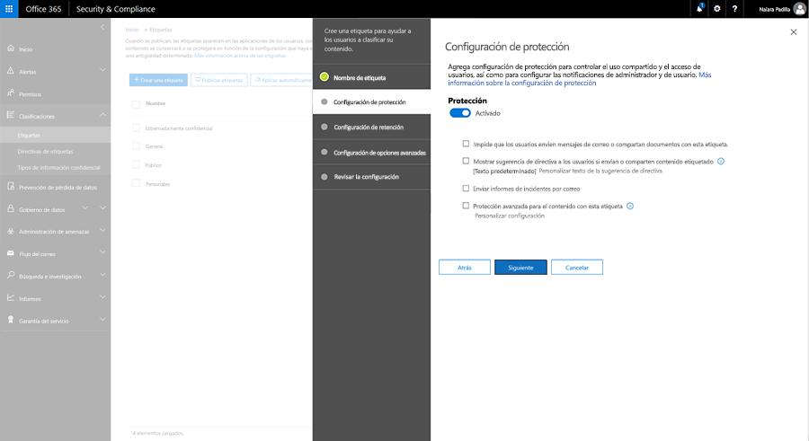 Captura de pantalla en la que se muestran las opciones de configuración de protección en el Centro de seguridad y cumplimiento.