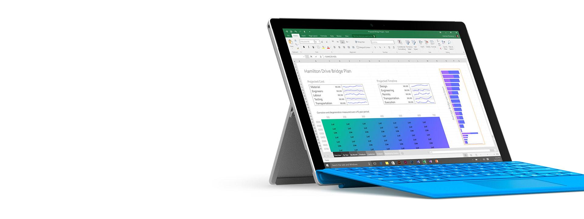 Surface Pro 4, jonka näytössä on Office.