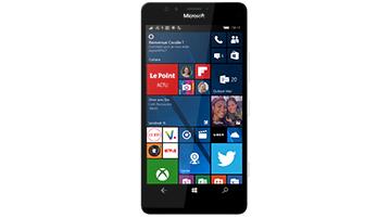 Un téléphone Windows affichant un écran de démarrage