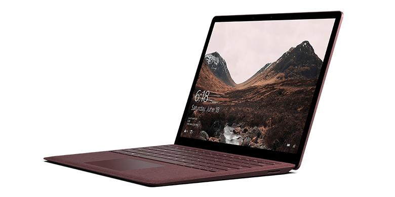 Vue de gauche du SurfaceLaptop en bordeaux