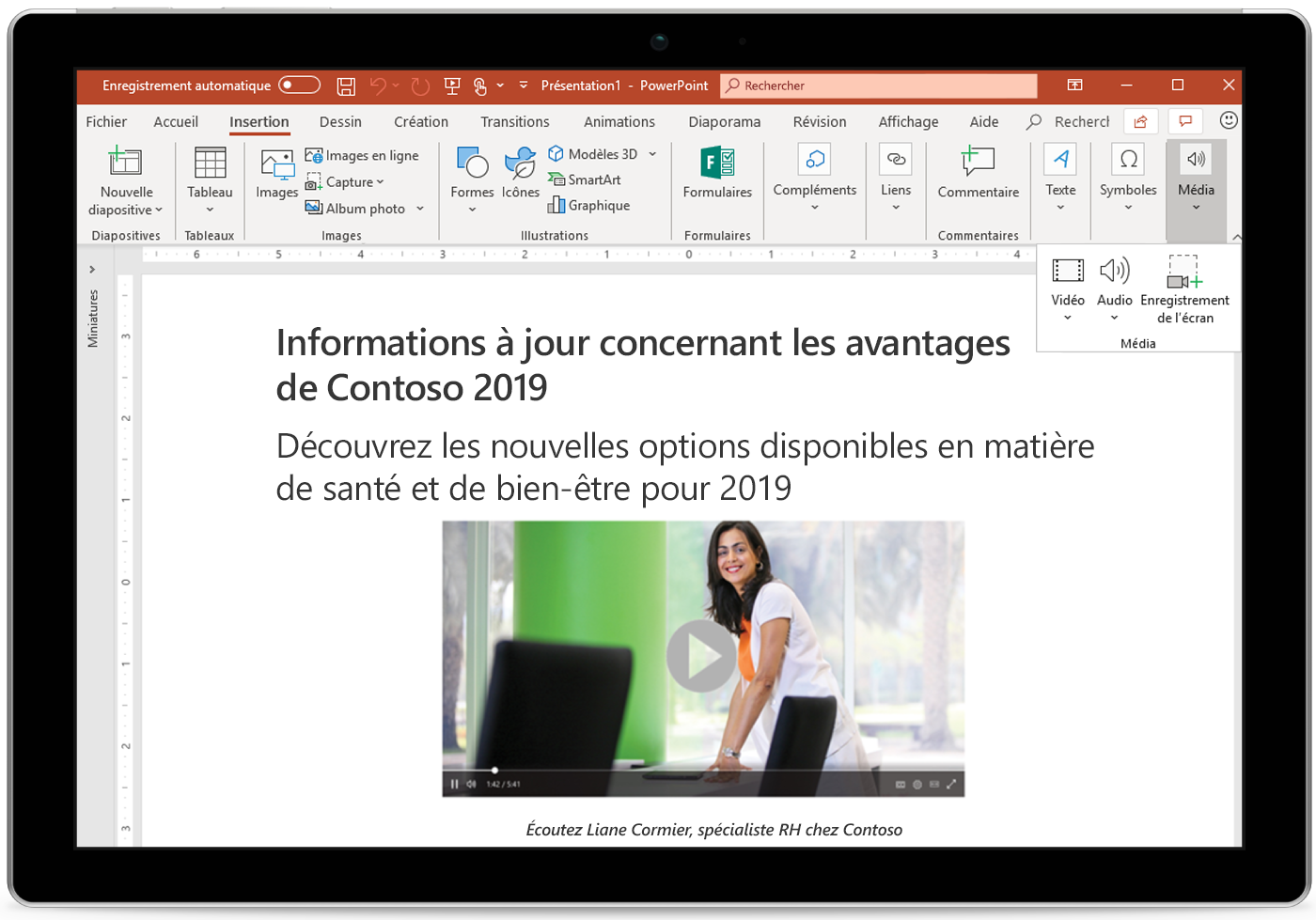 Image d'une tablette affichant une diapositive PowerPoint.
