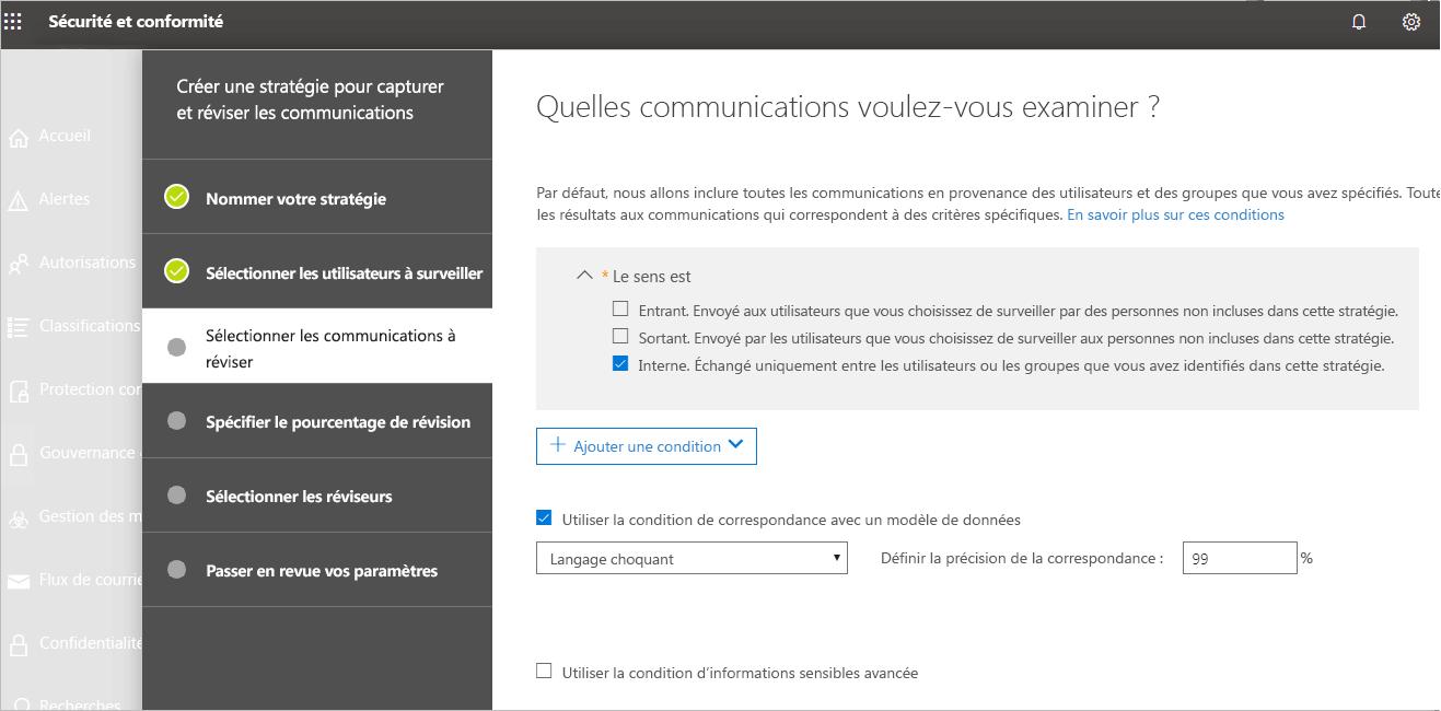 Capture d'écran du Centre de sécurité et de conformité où l'utilisatrice choisit une communication à examiner.Elle a coché « interne ».