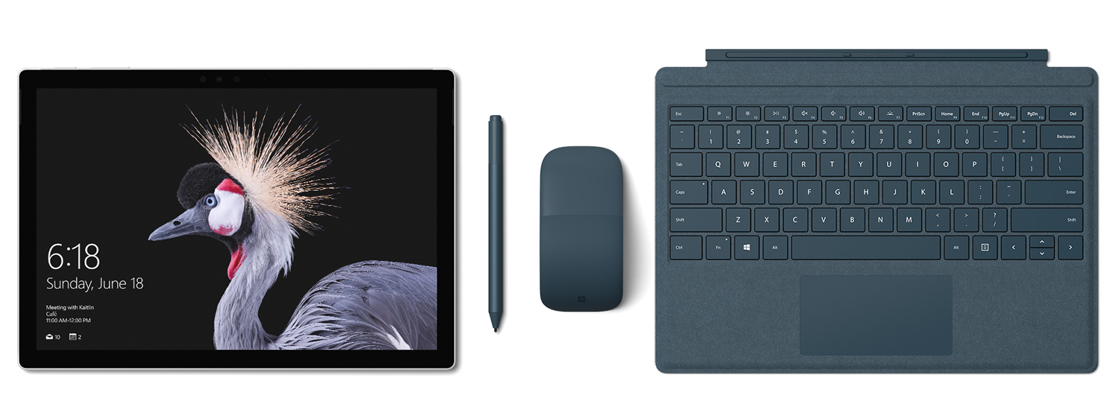 コバルト ブルーの Surface Pro Signature タイプ カバー、 Surface ペンと Surface Arc Mouse を備えた Surface Pro の画像。Surface ペン附属