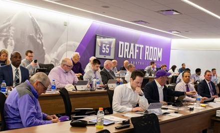 Image for: NFL にさらなる力を与える Microsoft Surface と Microsoft Teams