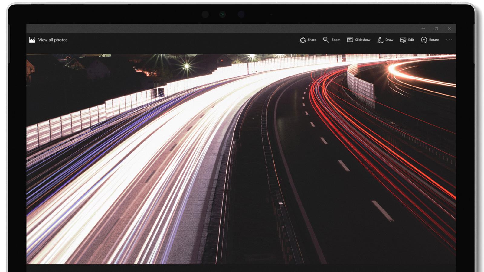 Surface Pro 12,3-tommers PixelSense™-skjerm med strålende farger og knivskarp oppløsning