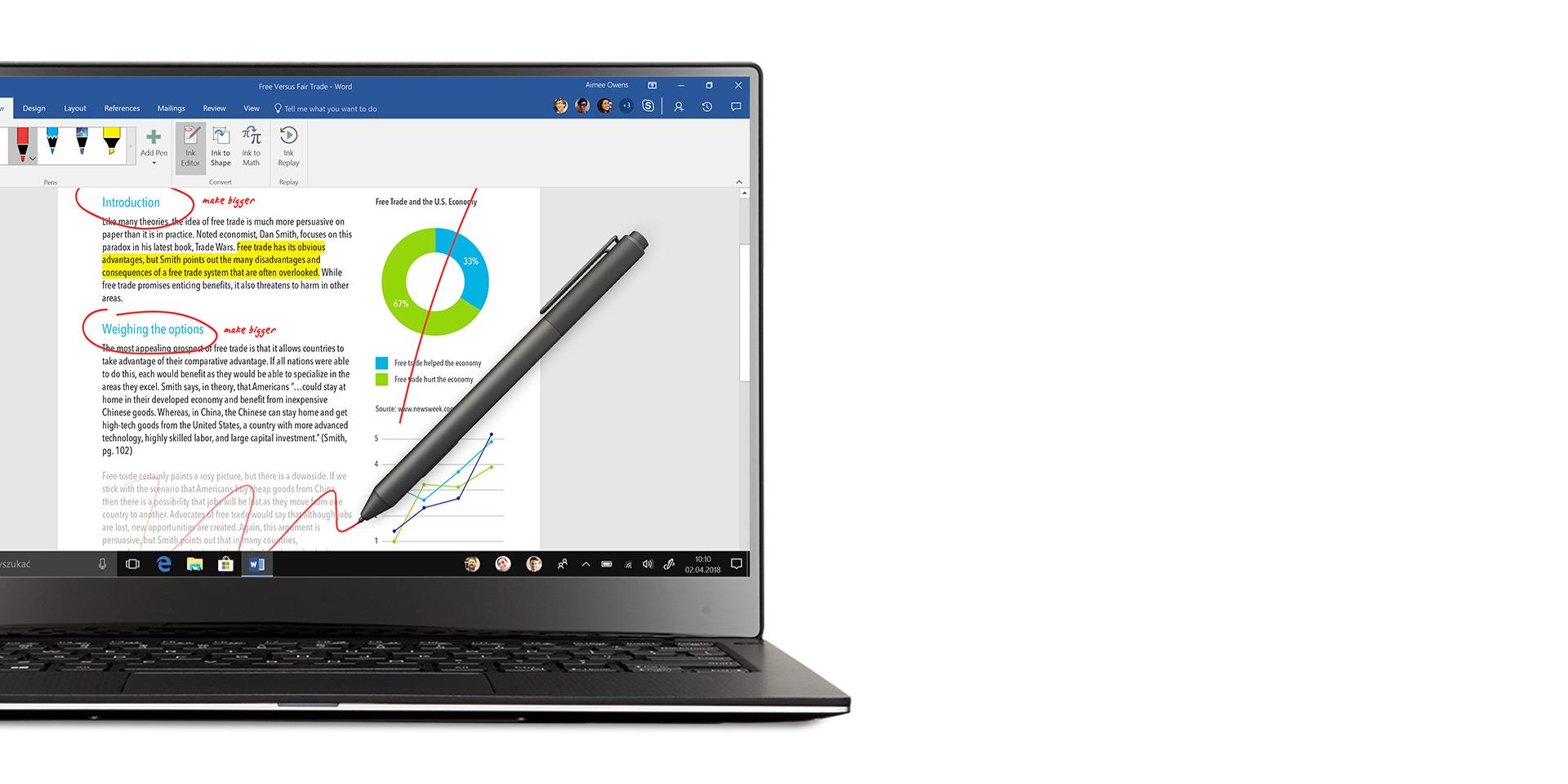 Laptop z systemem Windows 10 wyświetlający okno aplikacji Word