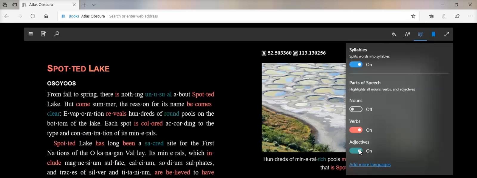 Obraz ekranu, na którym widać rzeczowniki, czasowniki i przymiotniki na stronie internetowej wyróżnione przez funkcję Narzędzia edukacyjne