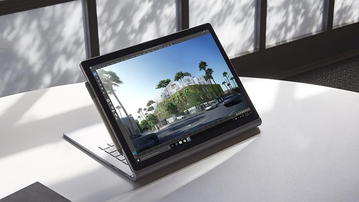 Surface Book 2 no Modo de Visualização, com uma Caneta para Surface.