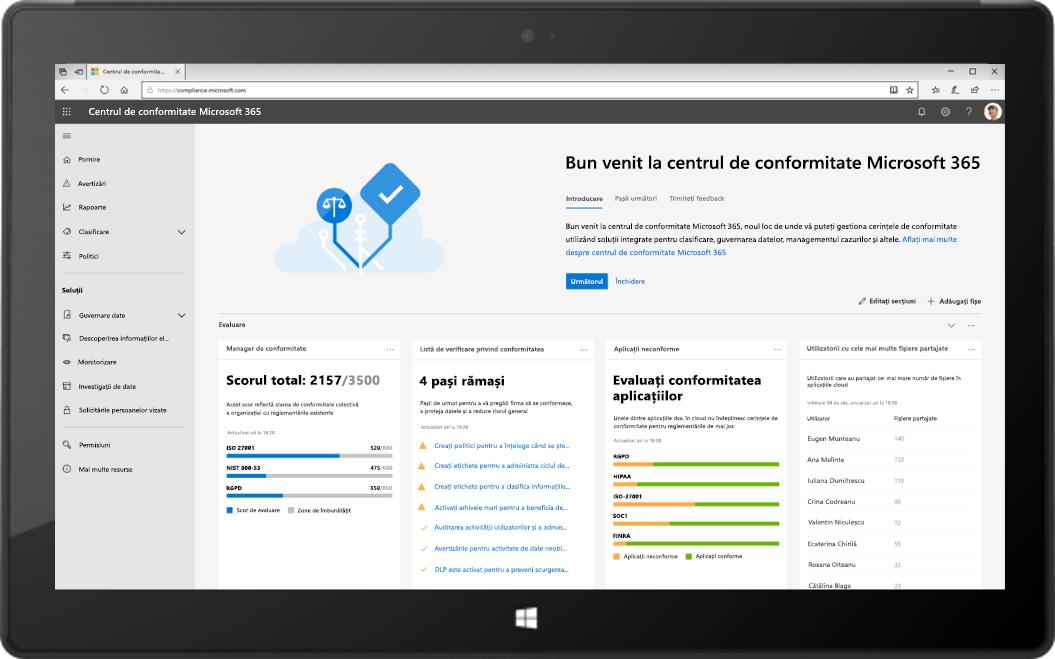 Imagine cu o tabletă ce afișează noul Centru de conformitate Microsoft 365.