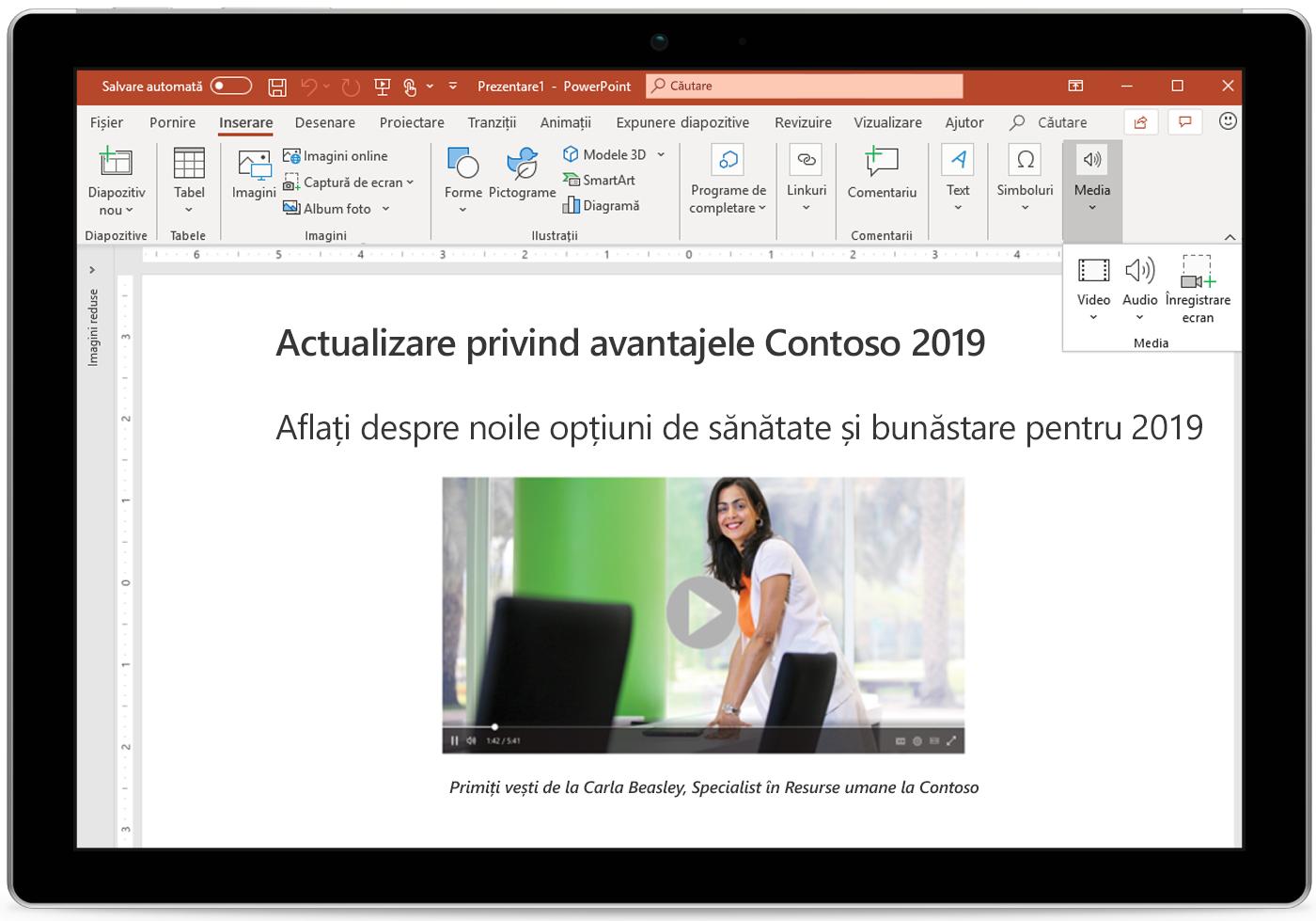 Imagine cu o tabletă care afișează PowerPoint.