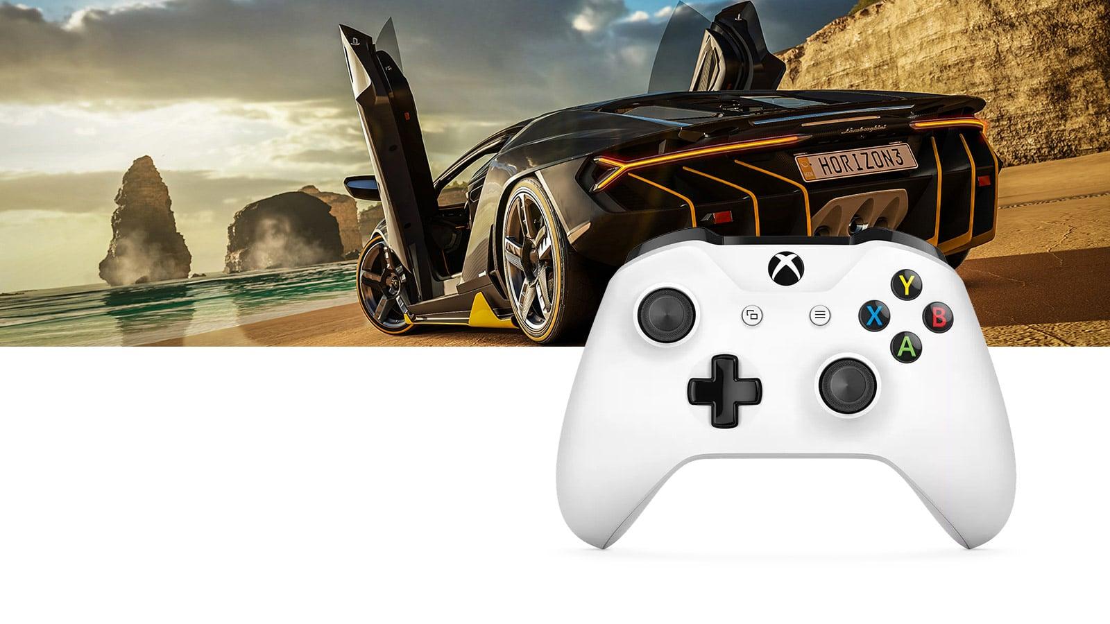 Forza на Xbox и белый геймпад