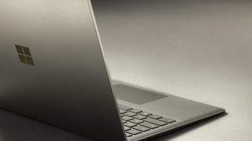Surface Laptop grafitguld