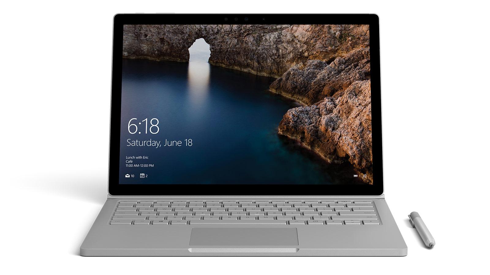 Surface Book visas framifrån med en bild på ett isberg som öppnats i Photoshop
