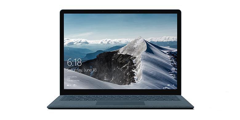 Vy framifrån av Surface Laptop i koboltblått