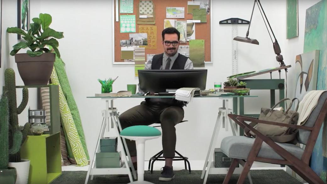 PowerPoint'te 3B animasyon gösteren bilgisayar