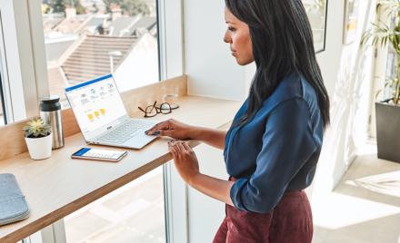 Image for: OneDrive 个人保管库加强了对最重要文件的保护,且 OneDrive 提供额外存储选项